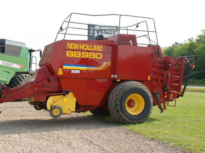 Großpackenpresse des Typs New Holland BB 980 ophug, Gebrauchtmaschine in Grindsted (Bild 1)