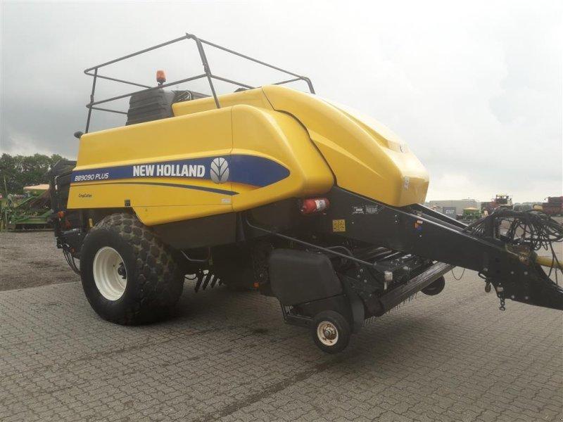 Großpackenpresse типа New Holland bb9090 plus Model Plus med Cropcutter, Gebrauchtmaschine в Horsens (Фотография 1)