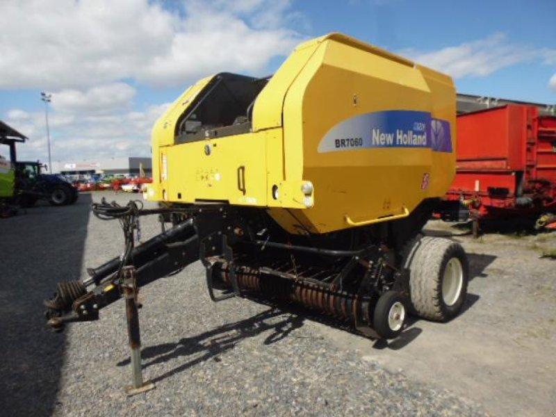 Großpackenpresse типа New Holland BR7060 AUTOWRAP, Gebrauchtmaschine в CHATEAUBRIANT CEDEX (Фотография 1)