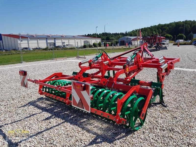 Grubber des Typs Agro-Masz RUNNER 30, Neumaschine in Teublitz (Bild 1)