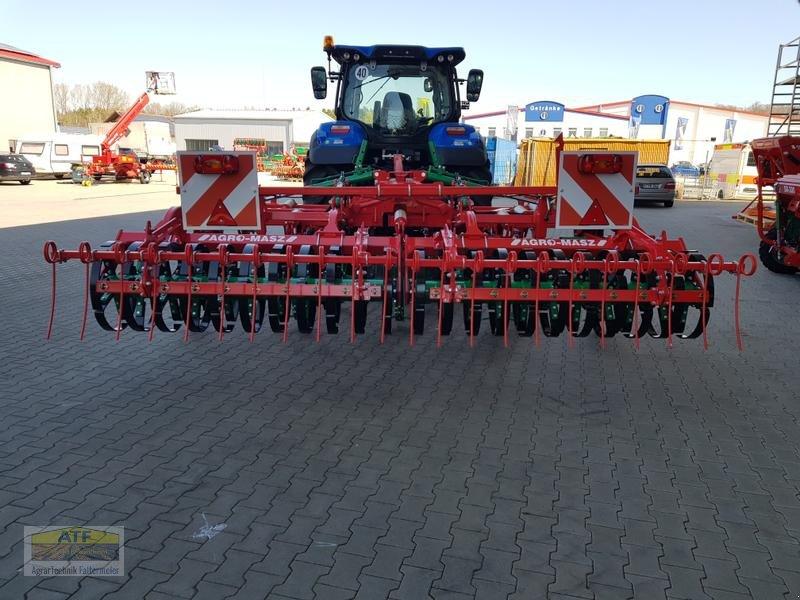 Grubber des Typs Agro-Masz RUNNER 40H, Neumaschine in Teublitz (Bild 2)
