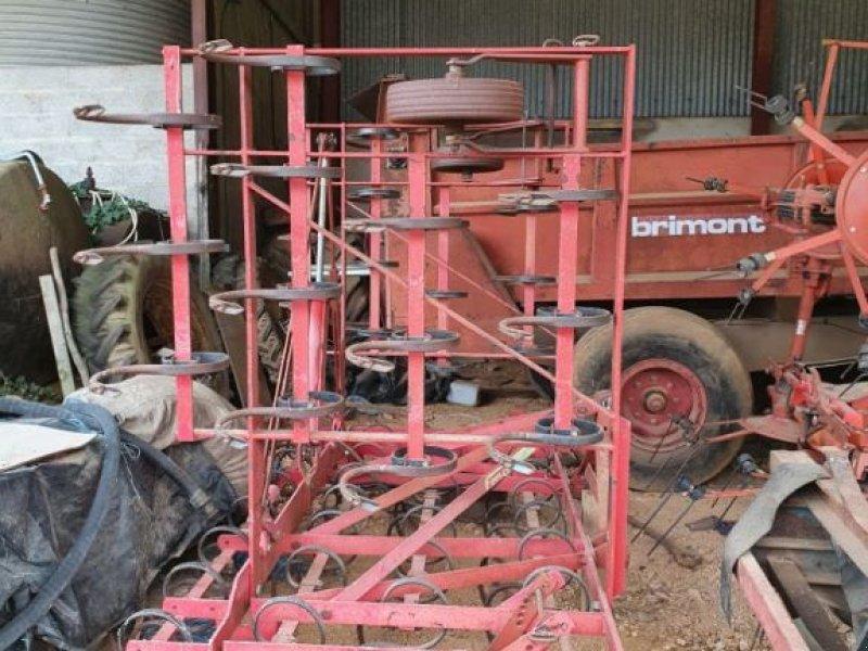 Grubber a típus FMA 5M, Gebrauchtmaschine ekkor: CHAUMONT (Kép 1)