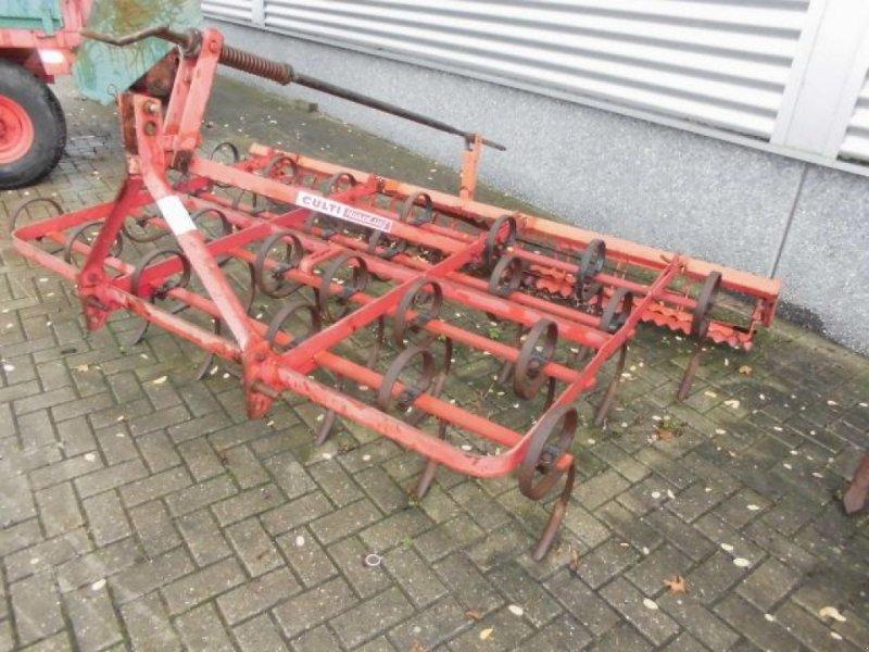 Grubber типа Sonstige Huard Culti triltand met verkruimelrol, Gebrauchtmaschine в Roermond (Фотография 1)