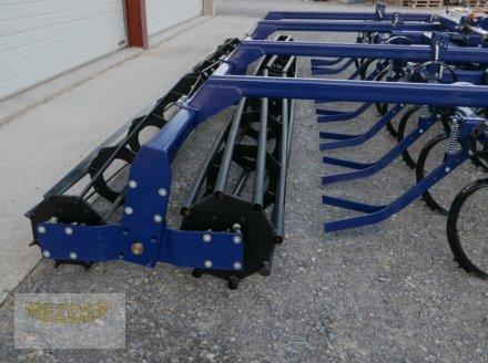 Grubber типа Sonstige Leichtgrubber 5,0 m mit Doppelwalze und Zustreifer, Neumaschine в Ditzingen (Фотография 3)