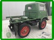 Unimog Unimog 401 Froschauge Tracteur de plein champ