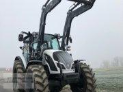 Valtra A114H4 gyepterületi traktor