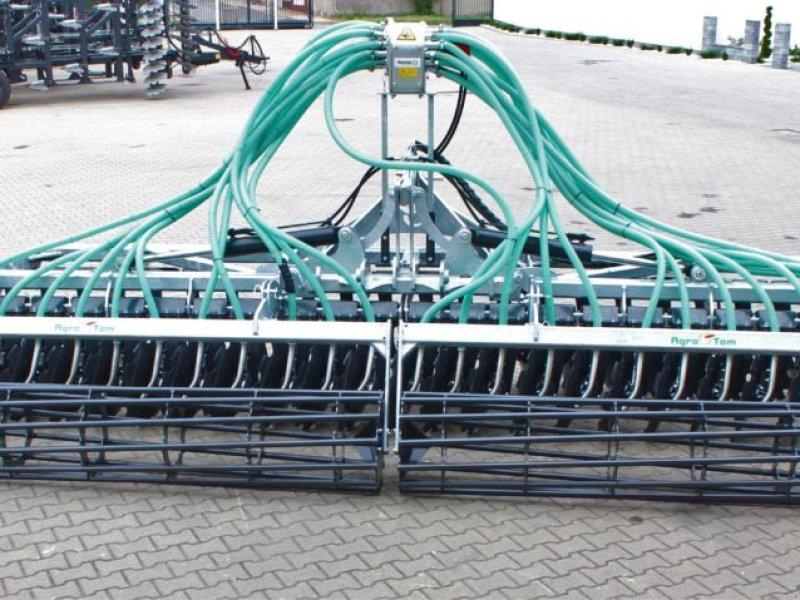 Gülleeinarbeitungstechnik typu AGRO-TOM Scheibenegge mit Schlauchverteiler, Neumaschine w Siekierczyn (Zdjęcie 3)