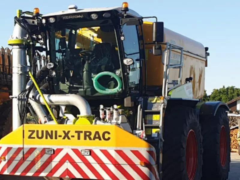 Gülleselbstfahrer des Typs CLAAS Xerion 4200 Saddle Trac, Neumaschine in Eichendorf (Bild 1)
