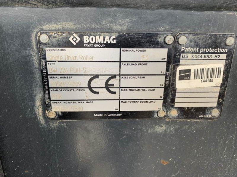 Gummiradwalze типа Bomag BW226 PDH-5 26to Walzenzug TOP!, Gebrauchtmaschine в Schrobenhausen (Фотография 11)