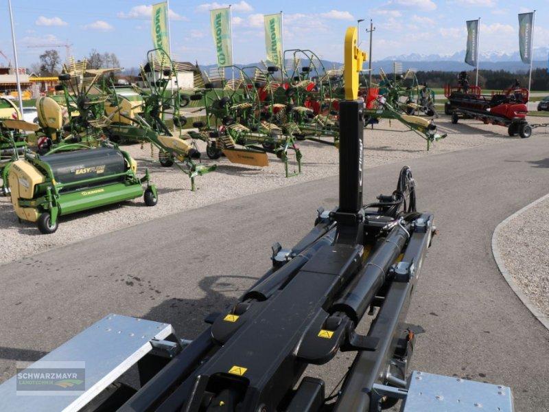Hakenwagen des Typs Fliegl HKL 22, Neumaschine in Gampern (Bild 8)