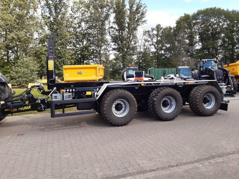 Hakenwagen des Typs PRONAR T386 Tridem-Hakenlift, TOP Ausstattung!!! **sofort lieferbar!**, Neumaschine in Bocholt (Bild 1)