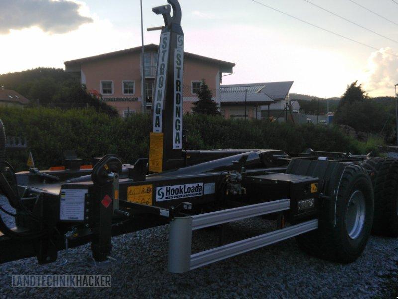 Hakenwagen des Typs Stronga HL210, Neumaschine in Gotteszell (Bild 1)