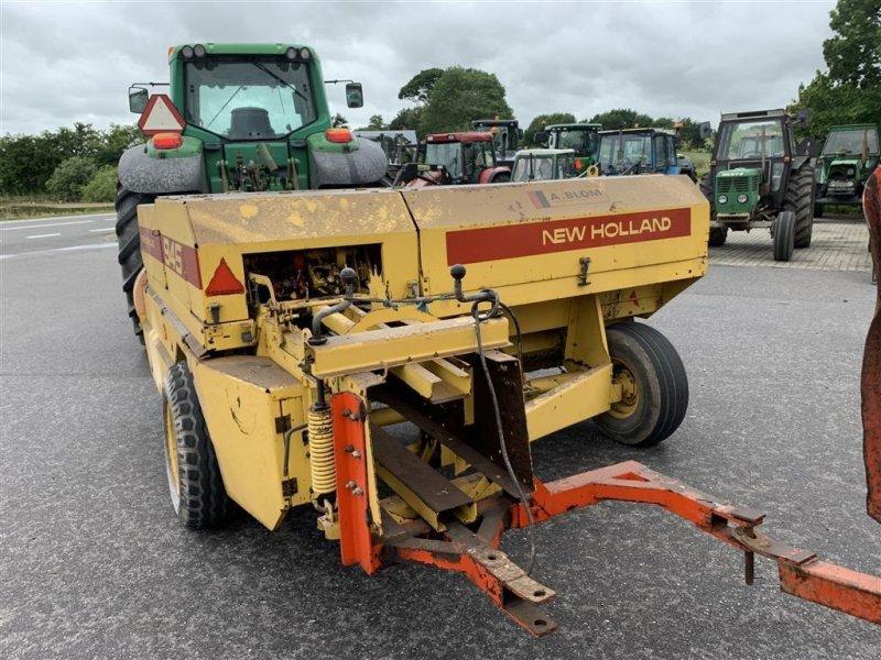 Hochdruckpresse типа New Holland 945 MED BALLEVOGN!, Gebrauchtmaschine в Aalestrup (Фотография 7)