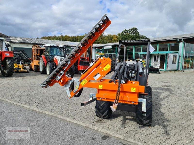 Hoflader des Typs Cast Group Heckenschneider mit hydr. Schwenkung, Gebrauchtmaschine in Tarsdorf (Bild 1)