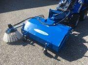Hoflader типа Multione Kehrmaschine 120, Gebrauchtmaschine в Villach