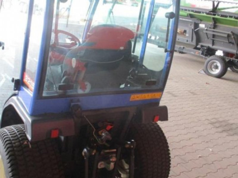 Hopfentraktor типа Iseki AL 3215 KOMMUNALSCHLEPP, Gebrauchtmaschine в Brakel (Фотография 6)
