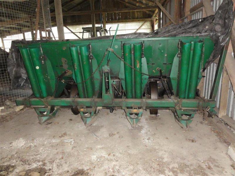Kartoffellegemaschine типа Sonstige 4x75, Gebrauchtmaschine в Ørsted (Фотография 1)