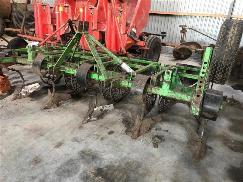Kartoffellegemaschine типа Sonstige Kartofelhypper kamformer, dybdehjul, Gebrauchtmaschine в Løgumkloster (Фотография 1)