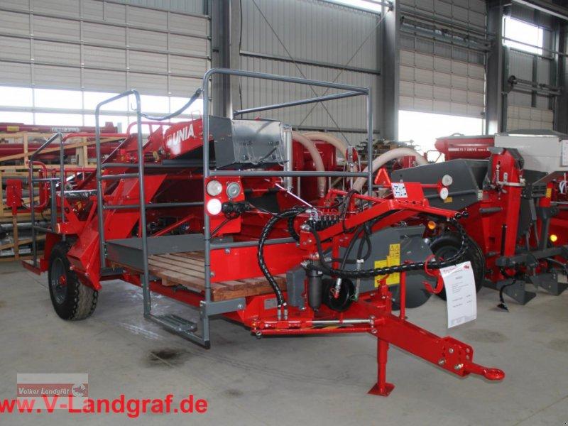Kartoffelroder des Typs Unia Bolko, Neumaschine in Ostheim/Rhön (Bild 1)