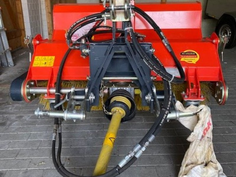 Kehrmaschine типа Adler Arbeitsmaschinen K 560 / 135, Gebrauchtmaschine в Hennstedt (Фотография 1)