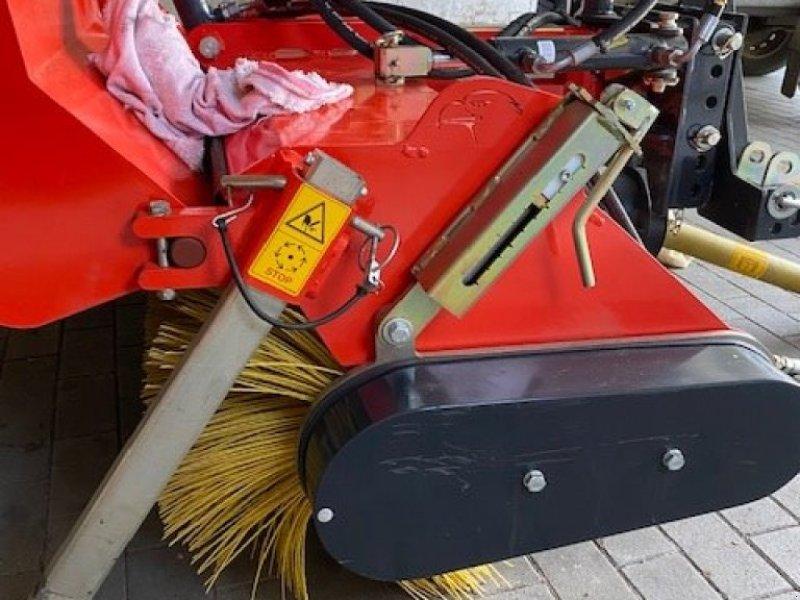 Kehrmaschine типа Adler Arbeitsmaschinen K 560 / 135, Gebrauchtmaschine в Hennstedt (Фотография 3)