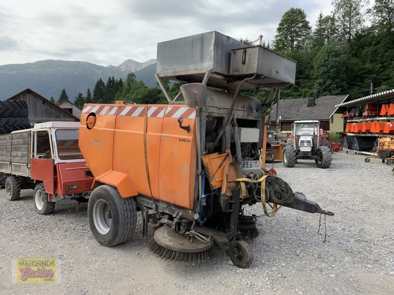 Kehrmaschine des Typs Augl KWS 30, Gebrauchtmaschine in Kötschach (Bild 1)