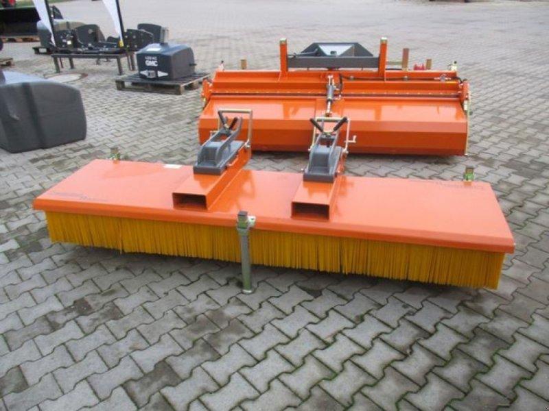 Kehrmaschine des Typs Bema 11 MULTI-CLEAN 2500, Gebrauchtmaschine in Brakel (Bild 1)