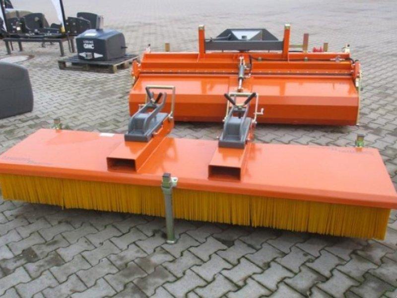 Kehrmaschine типа Bema 11 MULTI-CLEAN 2500, Gebrauchtmaschine в Brakel (Фотография 1)