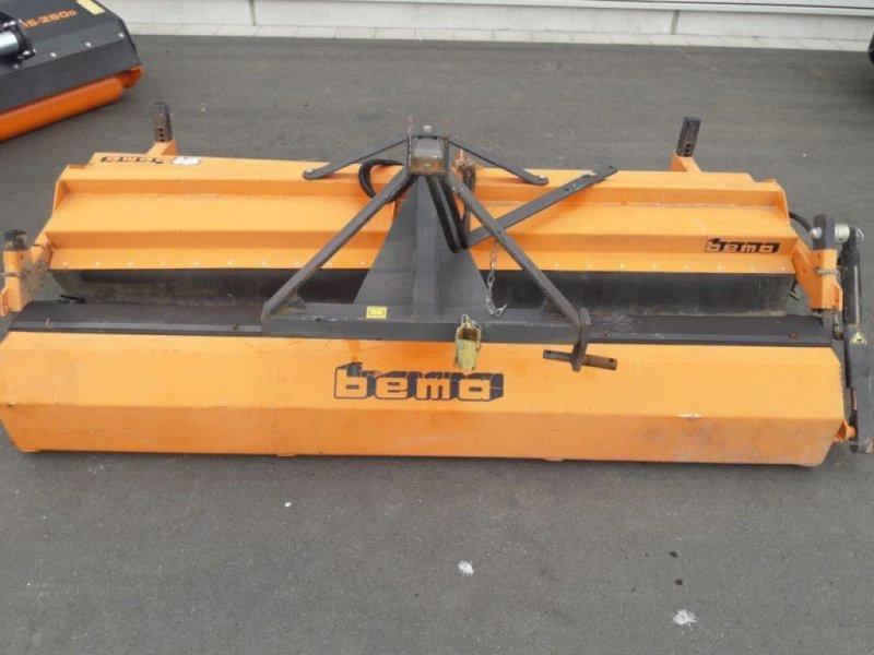 Kehrmaschine des Typs Bema 2300, Gebrauchtmaschine in Hollfeld (Bild 2)