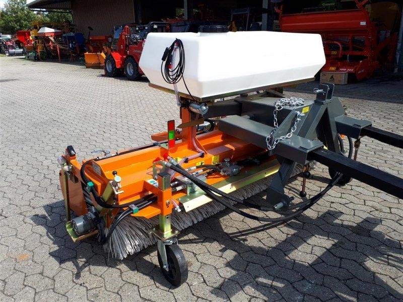 Kehrmaschine des Typs Bema 25/2300 mieten, Neumaschine in Manching (Bild 2)
