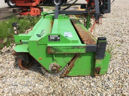 Kehrmaschine des Typs Bema Bema 2 Agrar 2300, Gebrauchtmaschine in Eggenfelden (Bild 3)