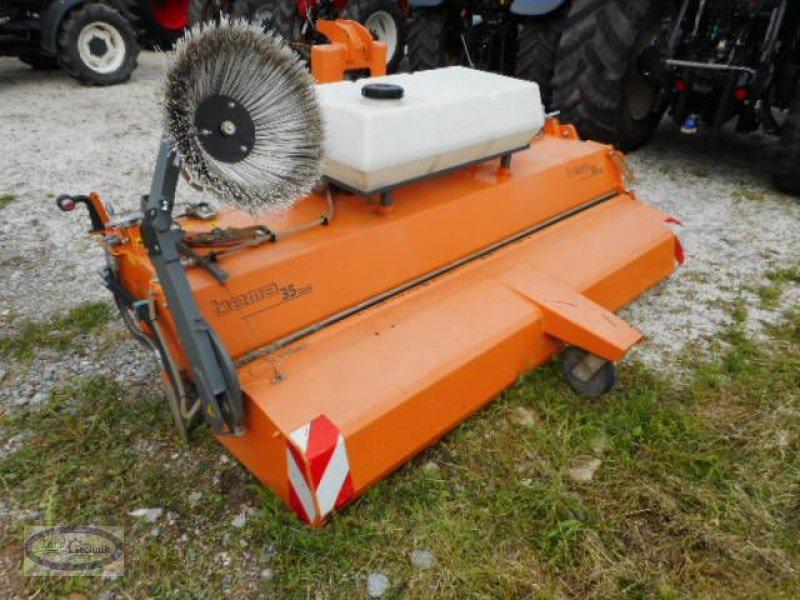 Kehrmaschine des Typs Bema DUAL 35/2850, Gebrauchtmaschine in Münzkirchen (Bild 1)