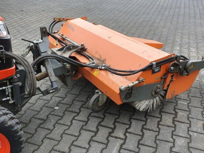 Kehrmaschine des Typs Bema Kubota Dual520-1550, Gebrauchtmaschine in Olpe (Bild 3)