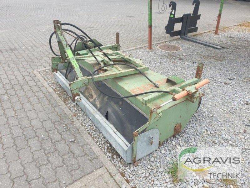 Kehrmaschine des Typs Briri KEHRMASCHINE, Gebrauchtmaschine in Calbe / Saale (Bild 4)
