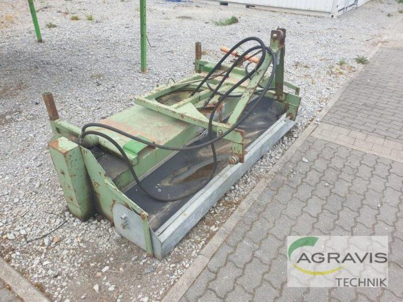Kehrmaschine des Typs Briri KEHRMASCHINE, Gebrauchtmaschine in Calbe / Saale (Bild 2)