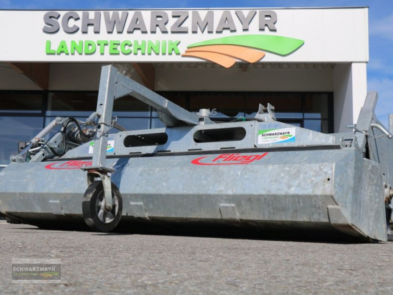 Kehrmaschine des Typs Fliegl Kehrmaschine, Gebrauchtmaschine in Gampern (Bild 1)