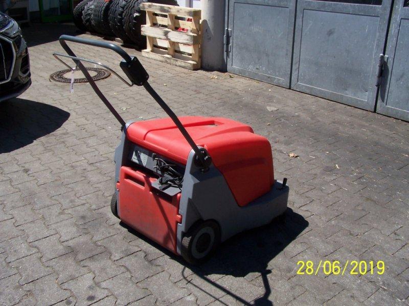 Kehrmaschine des Typs Hako Hamster 500 Akku-Kehrmaschine  defekt, Gebrauchtmaschine in Murnau (Bild 7)