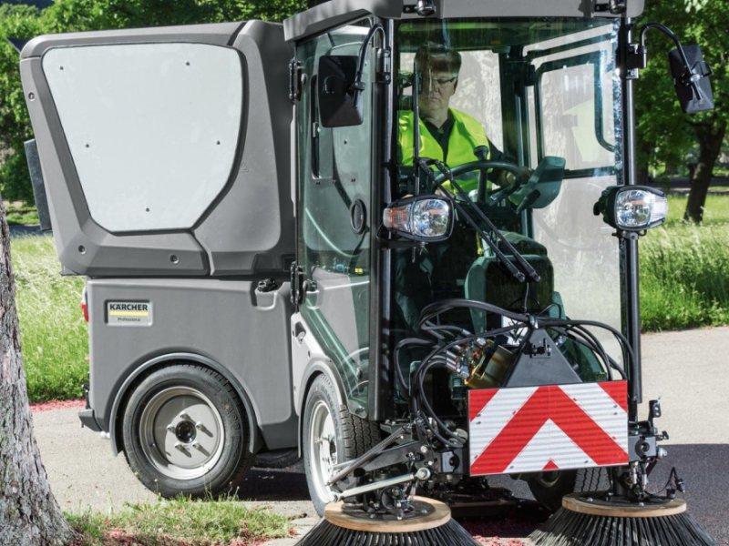 Kehrmaschine des Typs Kärcher Kärcher Saugkehrmaschine MIC 42, Gebrauchtmaschine in Meerbeck (Bild 1)