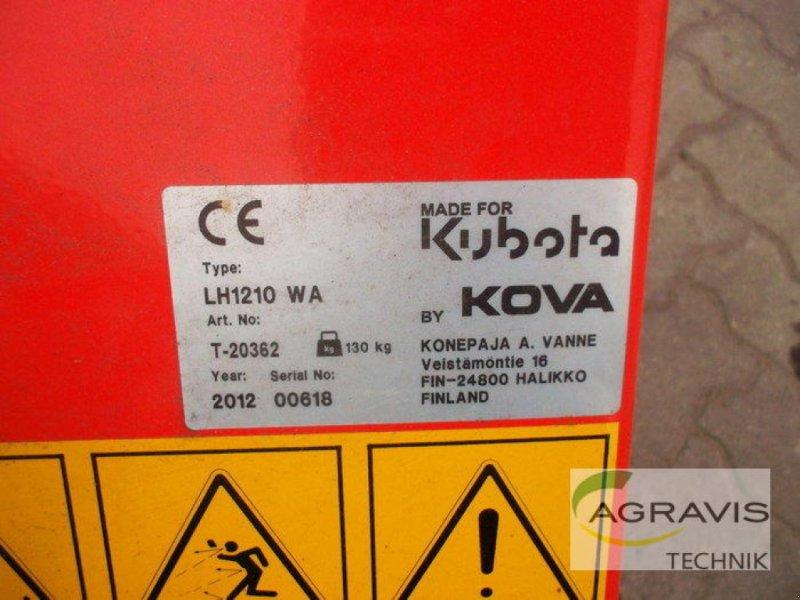 Kehrmaschine des Typs Kubota KEHRMASCHINE FRONTANBAU 120 CM W26TS00516, Gebrauchtmaschine in Gyhum-Nartum (Bild 4)