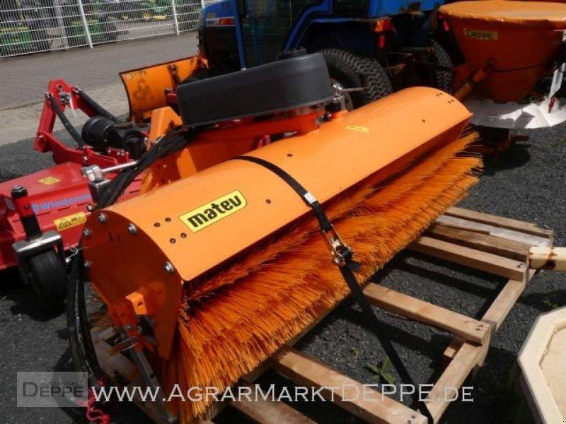 Kehrmaschine des Typs Matev SWE-H/M 14-45, Gebrauchtmaschine in Bad Lauterberg-Barbi (Bild 1)