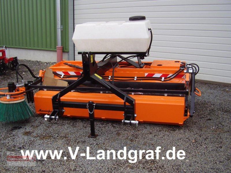 Kehrmaschine des Typs PRONAR ZM 2000, Neumaschine in Ostheim/Rhön (Bild 1)
