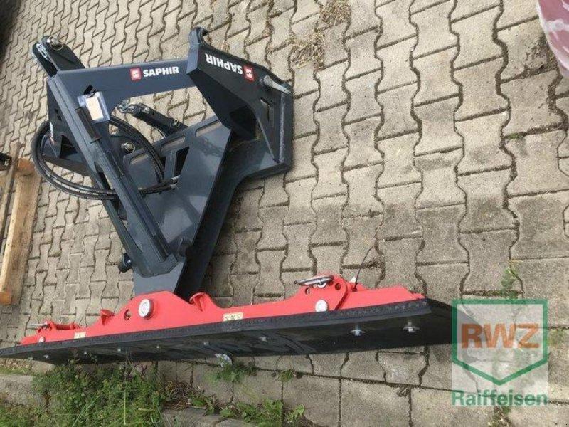 Kehrmaschine des Typs Saphir Gummischieber MULTI, Neumaschine in Alsfeld (Bild 2)