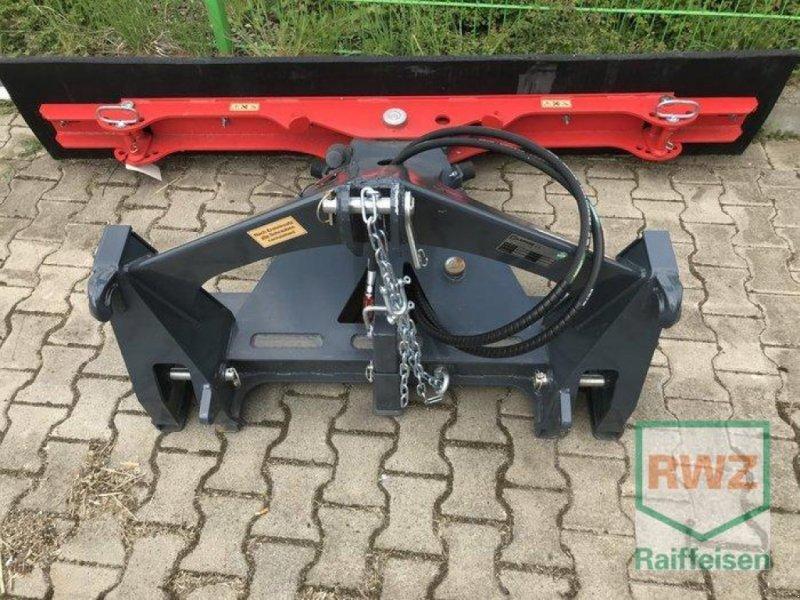 Kehrmaschine des Typs Saphir Gummischieber MULTI, Neumaschine in Alsfeld (Bild 1)