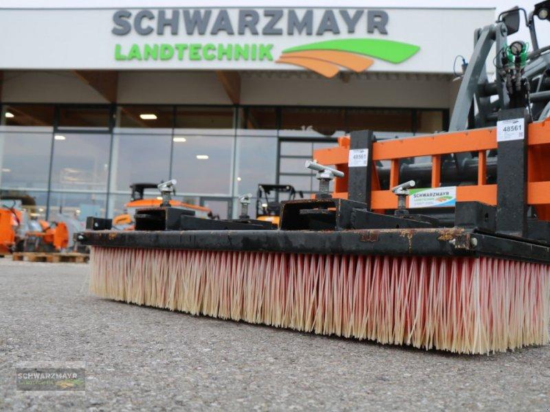 Kehrmaschine типа Sonstige 1,5m Kehrbesen mit Palettenaufnahme, Gebrauchtmaschine в Gampern (Фотография 1)