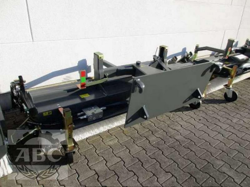 Kehrmaschine des Typs Sonstige AGRAR 2300 EUROAUFNAHME, Neumaschine in Lindern (Oldenburg) (Bild 1)
