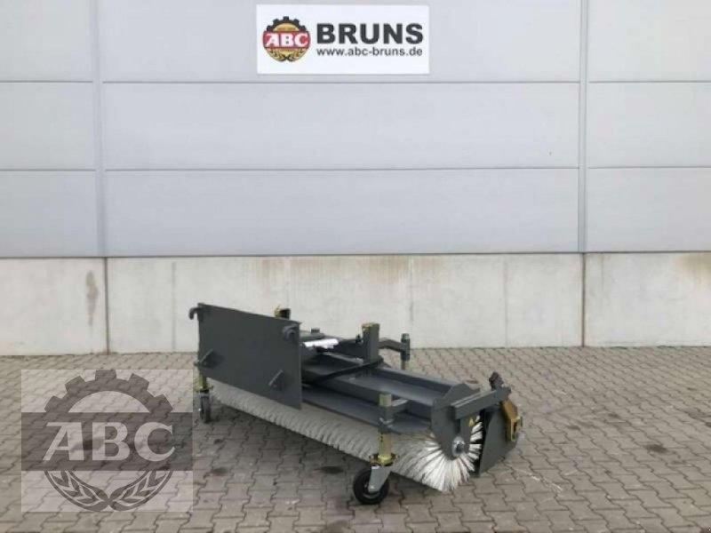 Kehrmaschine des Typs Sonstige AGRAR 2300 EUROAUFNAHME, Neumaschine in Klein Bünzow (Bild 1)
