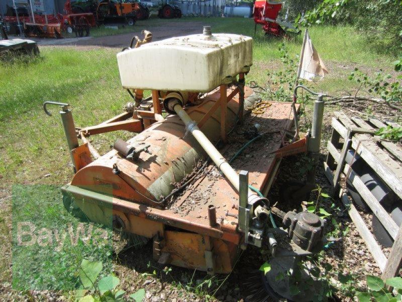 Kehrmaschine des Typs Sonstige KEHRMASCHINE UKM 220 U, Gebrauchtmaschine in Neumark (Bild 3)
