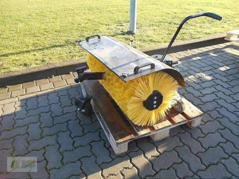 Kehrmaschine типа Stiga KEHRBÜRSTE STIGA PAR, Gebrauchtmaschine в Winsen (Фотография 1)