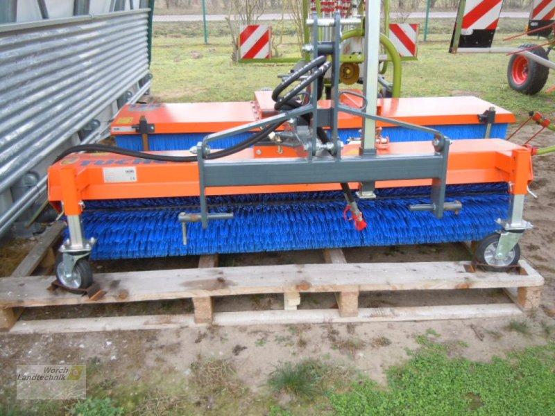 Kehrmaschine des Typs Tuchel Eco 230 HD, Neumaschine in Schora (Bild 1)