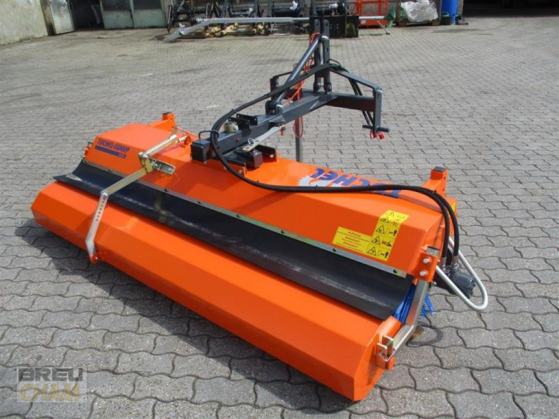 Kehrmaschine des Typs Tuchel Eco 230, Neumaschine in Cham (Bild 1)